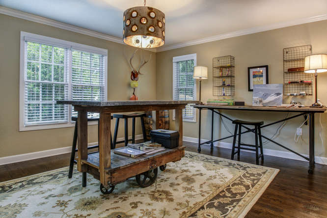 1023-S-Frankland-Rd-Tampa-FL-small-014-Craft-Room-666×445-72dpi